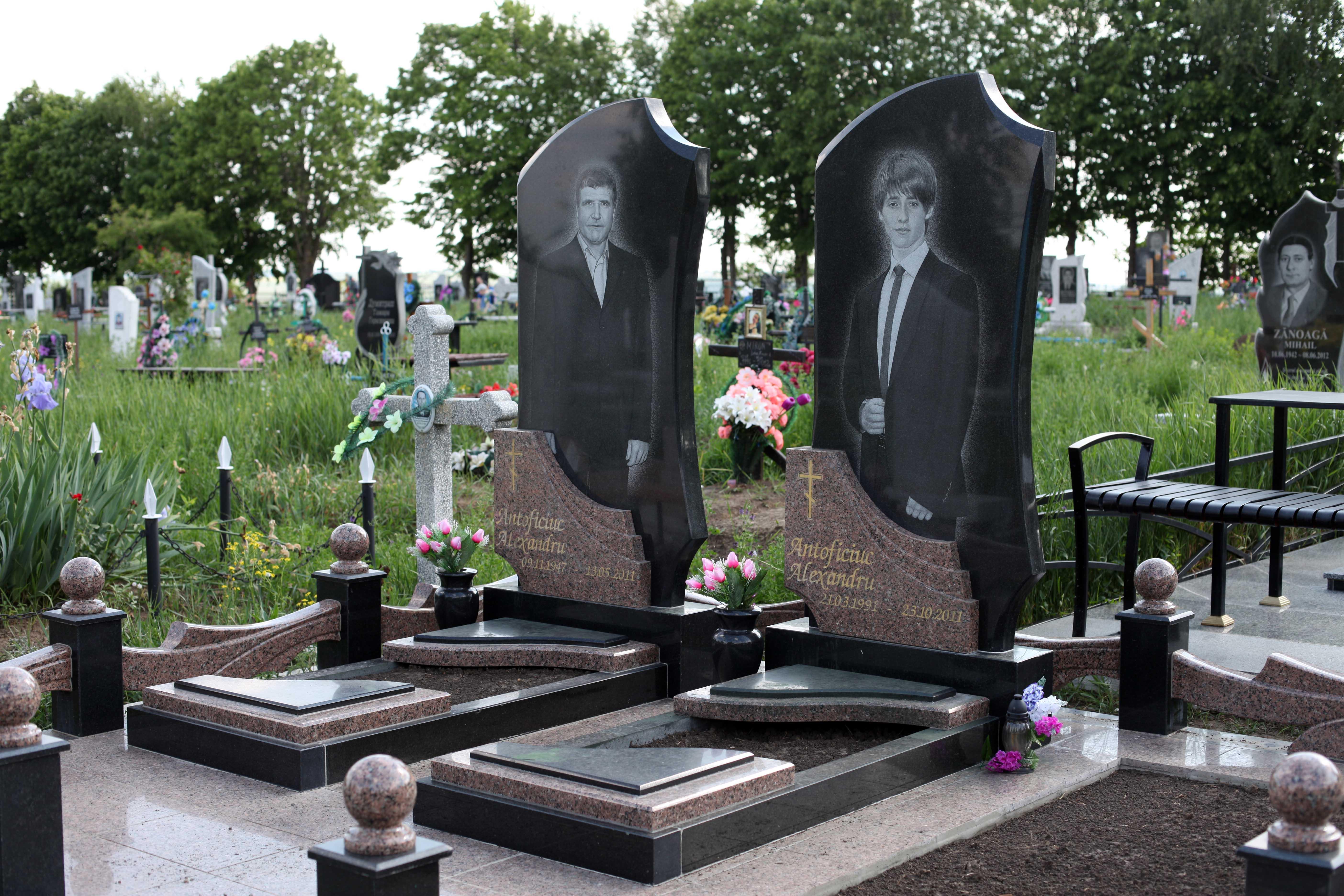 надгробные памятники офицерам фото автомобиль гарантирует